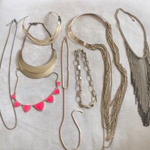 Lot of 8 - gold necklaces